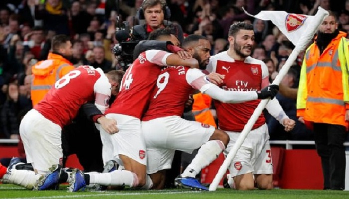 Arsenal held on to win the match and secure the title