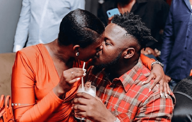 Fella Makafui kissing Medikal