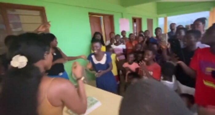 Wendy Shay entertaining orphans