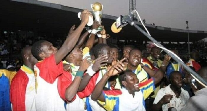 Hearts players celebrating their victory