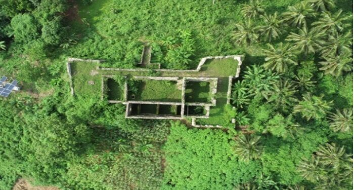 The remains of this 17th century building is rundown, deserted and overgrown by weeds