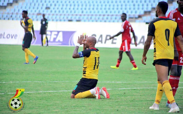 Ayew will undergo a late fitness test to assess the extent of the injury